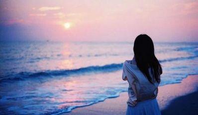 被爱情欺骗过的话 欺骗爱情的句子。