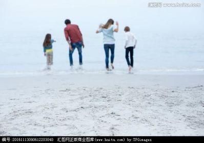 孩子海边玩耍的唯美句子 关于海边游玩的句子