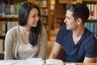 大一英语口语对话10句 求英语口语关于打招呼的十句对话